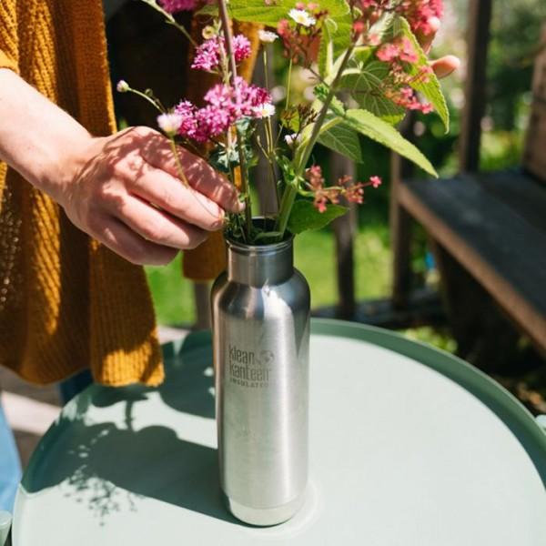 Klean-Kanteen-Blogartikel-Wiederverwendung-einer-Edelstahlflasche-als-Blumenvase